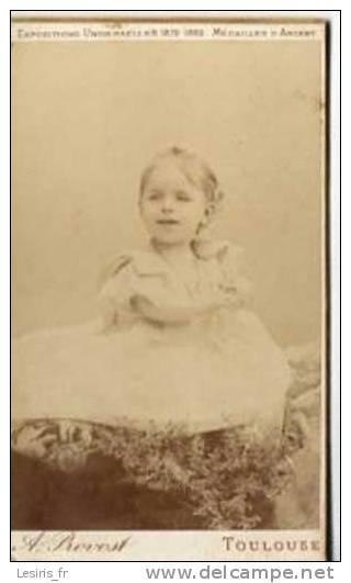PHOTO - JOLIE FILLETTE - A. PROVOST - TOULOUSE - 29363 - 1893 - Ancianas (antes De 1900)