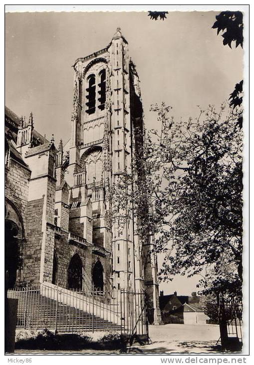 BOURGES--env 1960--La Cathédrale St Etienne-La Tour De Beurre Cpsm Gd Format N° 7204  Collec De La Cathédrale - Bourges