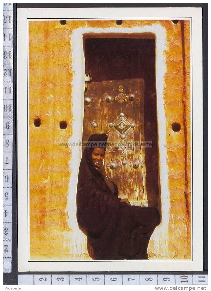 N7787 MAURITANIA GIOVANE MAURITANA GIRL Cartoline Dal Mondo De Agostini - Mauritania