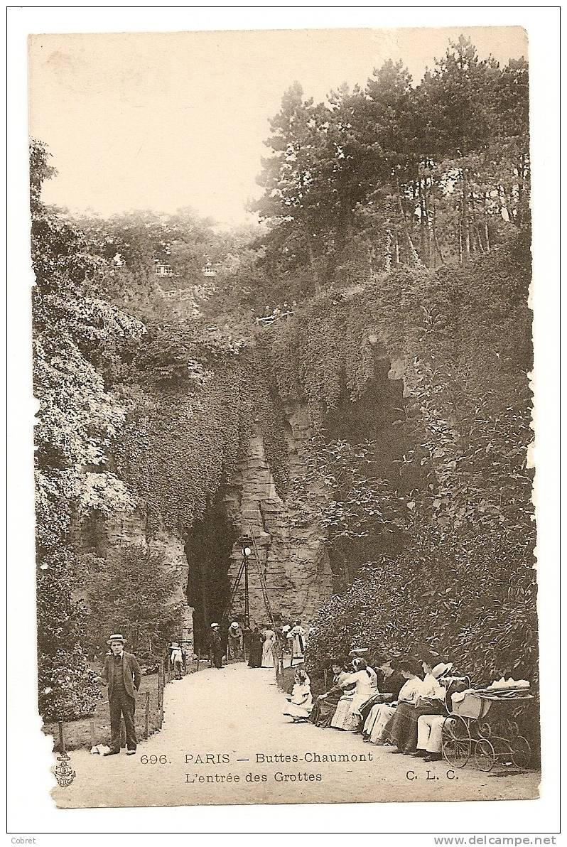 PARIS - Buttes Chaumont, L'entrée Des Grottes - Arrondissement: 19