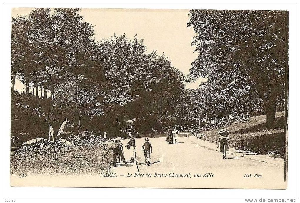 PARIS - Le Parc Des Butts Chaumont, Une Allée - Arrondissement: 19