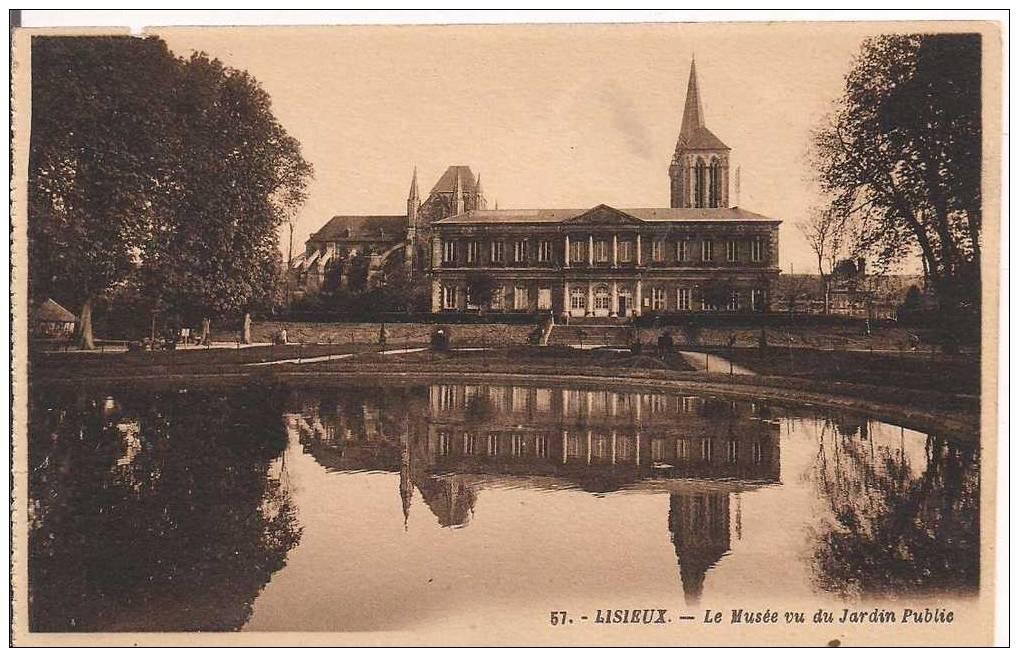 CPA 14 LISIEUX  -  Le Musée Vu Du Jarfin Public - Lisieux