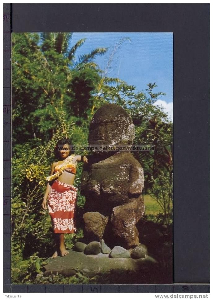 N8229 TAHITI THE TWO TAHITIAN IDOLAS TIKI AND MIRI GIRL TAHITIENNE FP - Tahiti