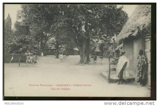 DY PORTO-NOVO  /  Une Rue Indigène  / - Benin