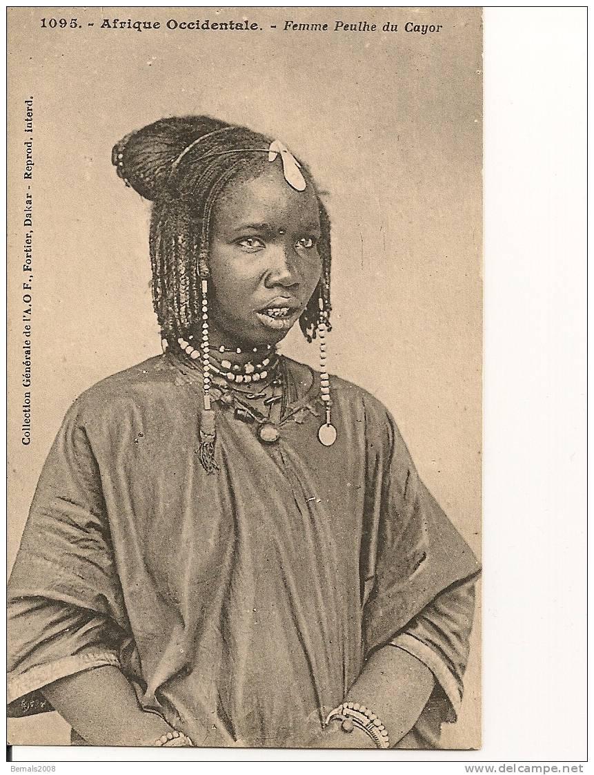 AFRIQUE Sénégal-femme Peulhe Du Cayor - Senegal