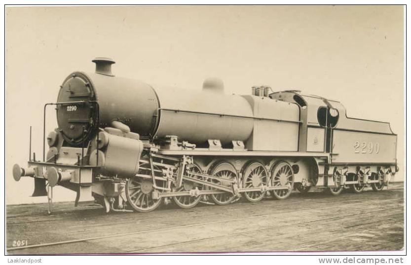 LOCOMOTIVE 2290, ORIGINAL EARLY RP CARD, F. MOORE'S RAILWAY PHOTOS, No. 2051. Pre 1945 - Treinen
