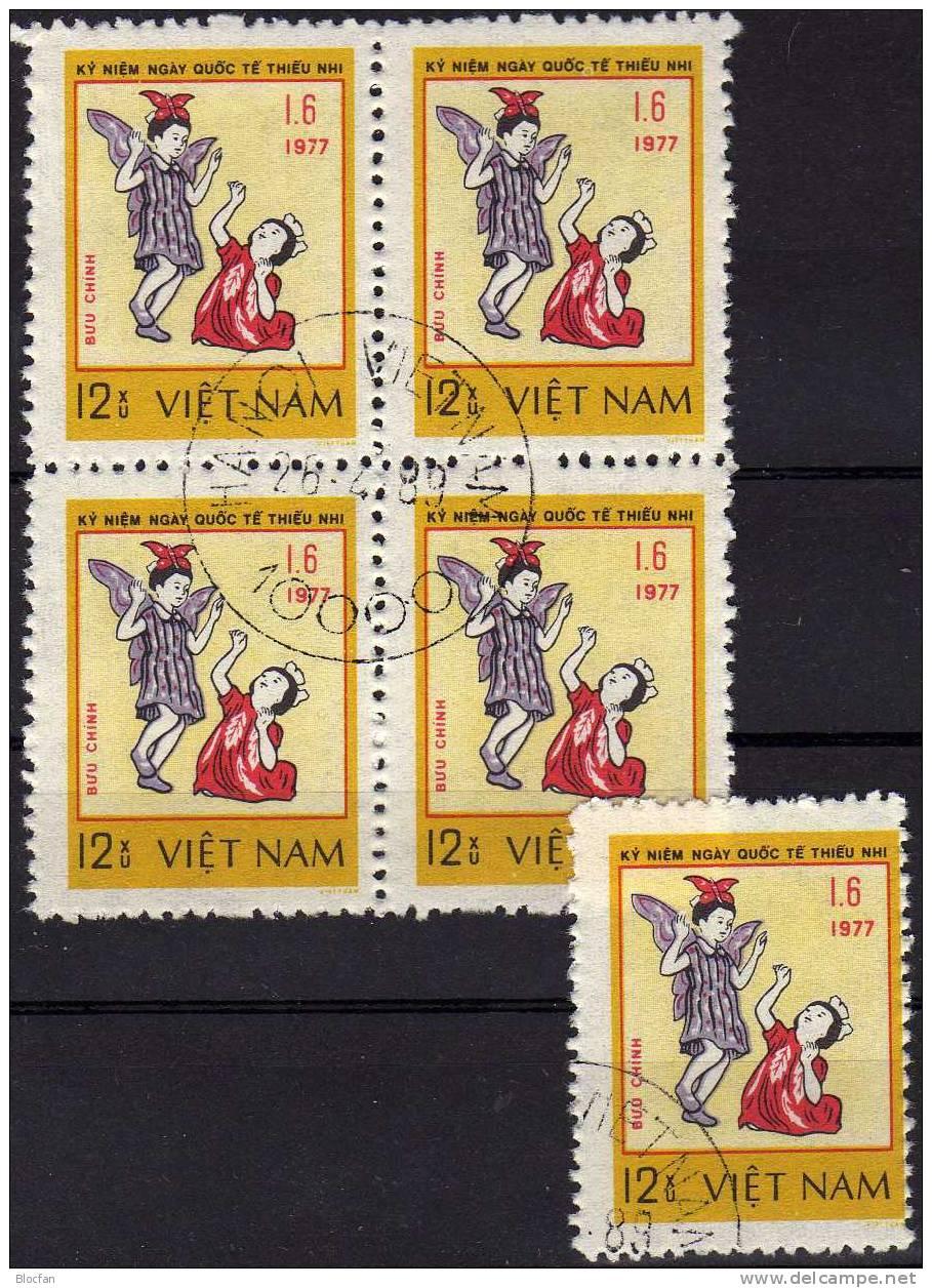 UNO Jahr Des Kindes 1979 Tanzende Kinder Vietnam 960 Plus 4-Block O 3€ - Vietnam