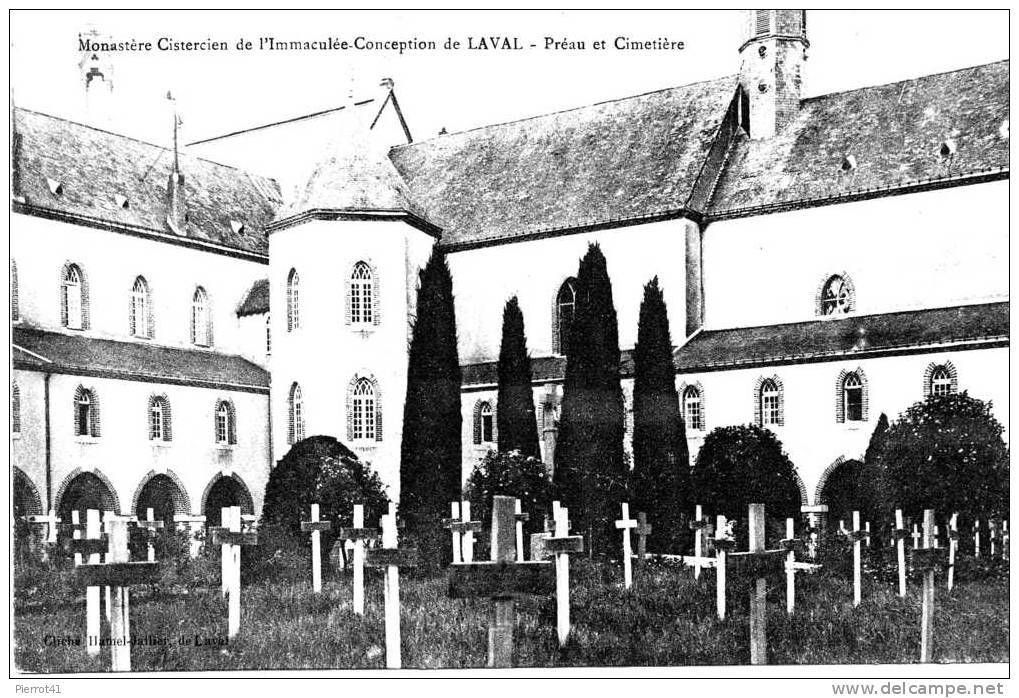 LAVAL - Monastère Cistercien De L´Immaculée Conception- Préau Et Cimetière - Laval