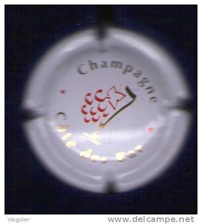 1 Exemplaire  1 Plaque De Muselet De Champagne  Capsule Côte Des BAR  Rouge & Or Sur Fond Blanc Neuf - Non Classés