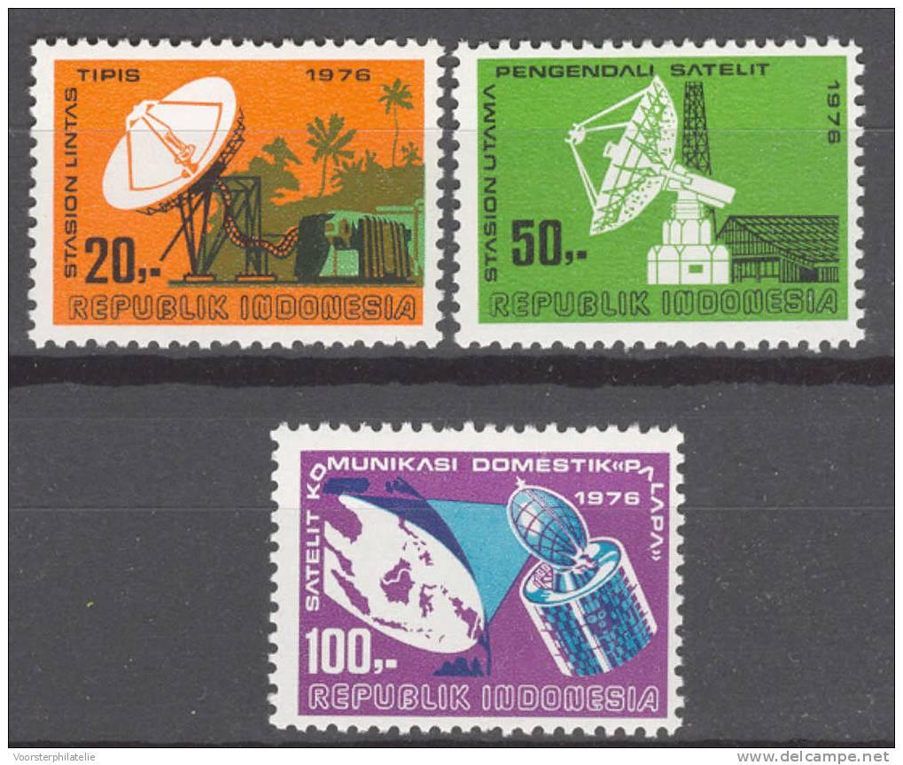 INDONESIA INDONESIË 1976 ZBL 852-54 SATELITE MNH ** - Indonesien