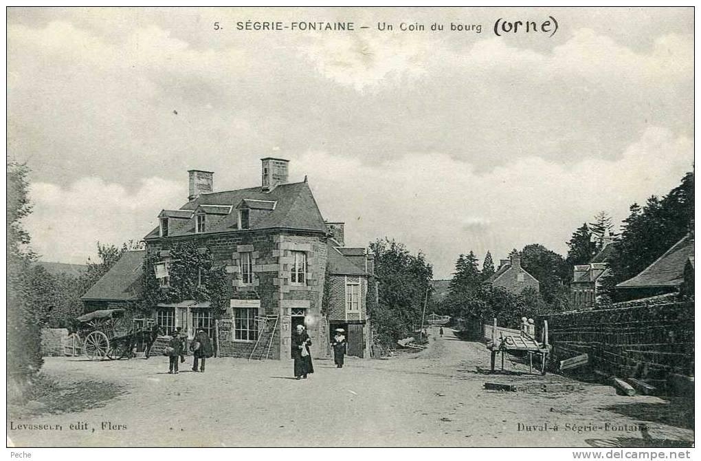 N°4000 -cpa Segrie-Fontaine : Un Coin Du Bourg - France