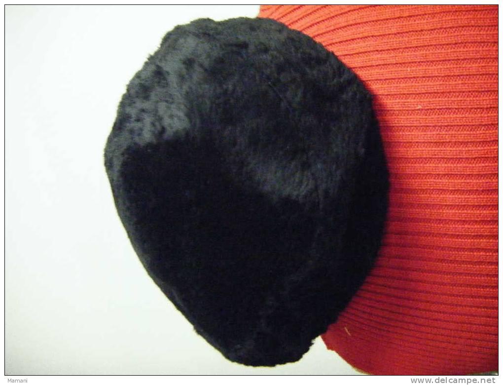Chapeau Noir   Pour Theatre Ou Cinema. - Headdresses, Hats, Caps