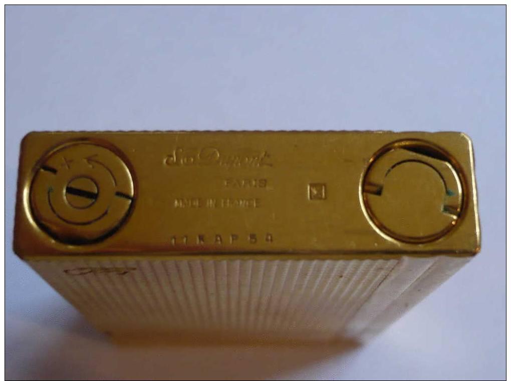 briquet dupont plaque or numero serie 11kap 54. Black Bedroom Furniture Sets. Home Design Ideas