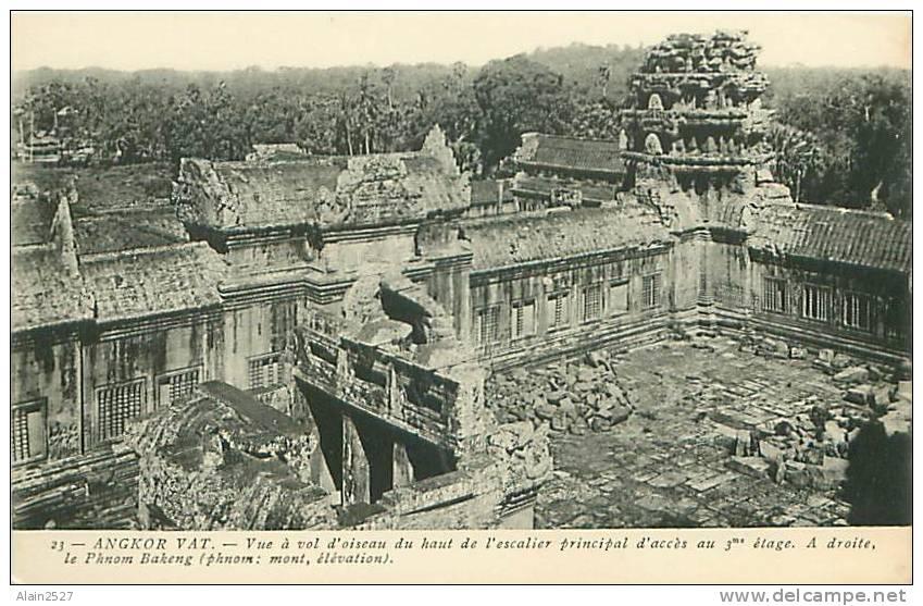ANGKOR-VAT - Vue à Vol D'oiseau Du Haut De L'escalier Principal D'accès Au 3ème étage (n° 23) - Cambodge