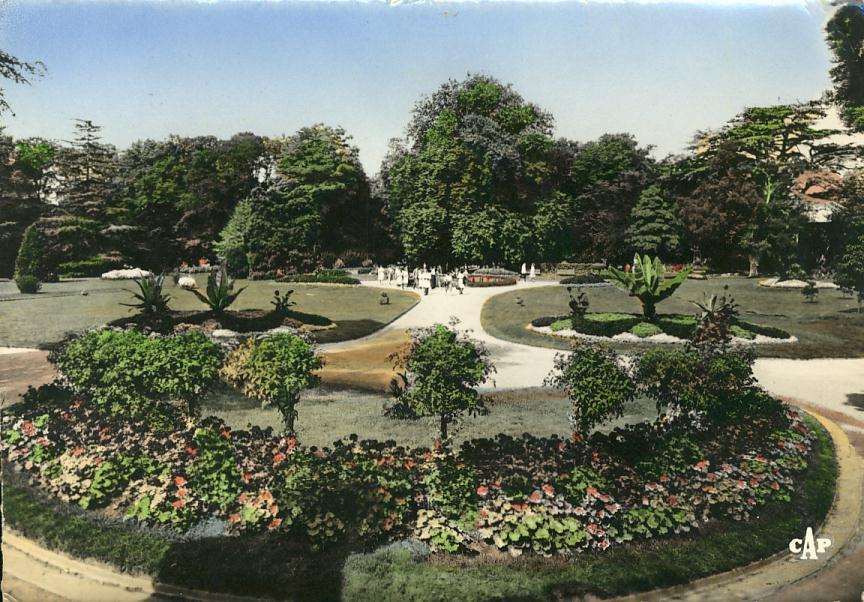 Avranches 50 -  Jardin Public - Bel Oblitération Avranches 1958 Au Verso - Avranches