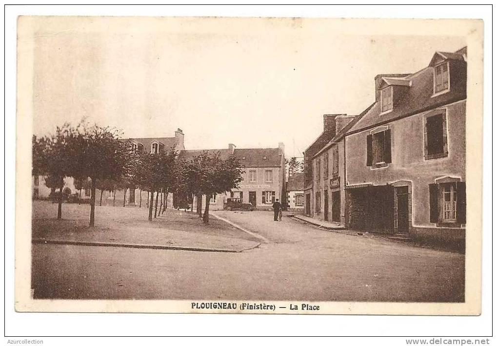 PLOUIGNEAU . LA PLACE - France