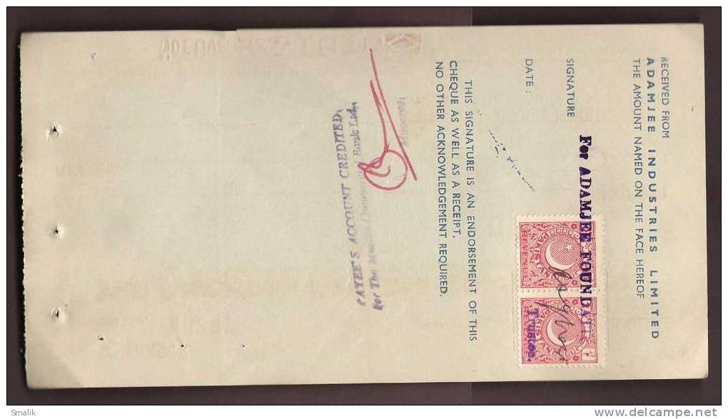 163533 Bank Cheque, The American Express Company Inc. Karachi Pakistan, 2annas Revenue Stamps On Back Side, 1969 - Bank & Insurance
