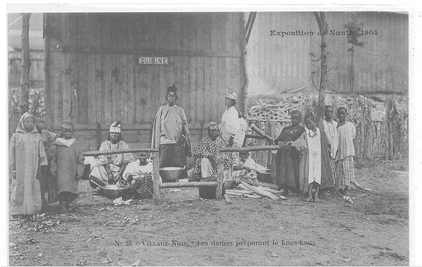 44 // NANTES - Exposition 1904 / VILLAGE NOIR  Les Dames Préparant Le Kous Kous  N° 23 - Nantes