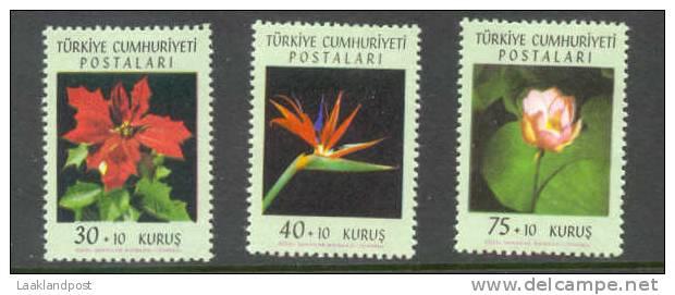 TURKEY Michel Nrs 1834-1836 Flower, UNMOUNTED MINT. - 1921-... Republiek