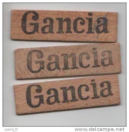 3 JETONS RECTANGULAIRES EN BOIS - GRAND FORMAT - GANCIA - Cartes à Jouer