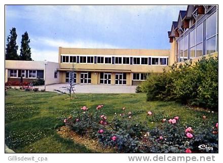 - MIREBEAU Sur BEZE -bLe Collège - Mirebeau