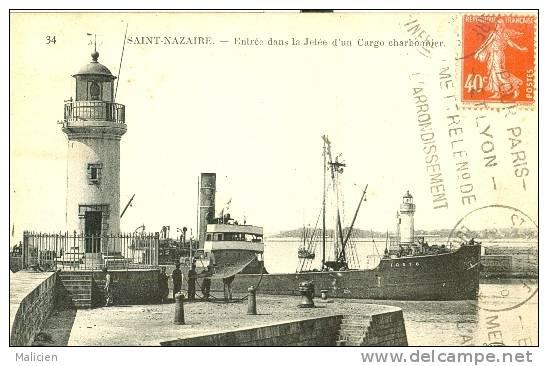 Bateaux -ref 118- Saint Nazaire - St Nazaire - Entree Dans La Jetee D Un Cargo Charbonnier -le * Tosto-* Carte Bon Etat - Ships
