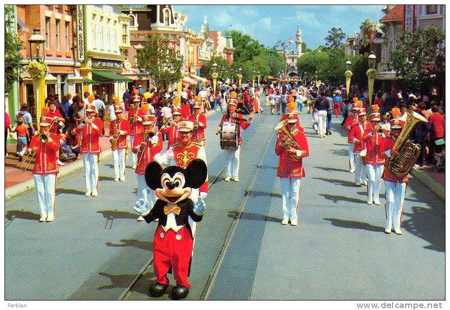 DISNEY. DISNEYLAND. MICKEY Et Ses Amis Et La Fanfare.  The Happiest Place On Earth. - Disneyland