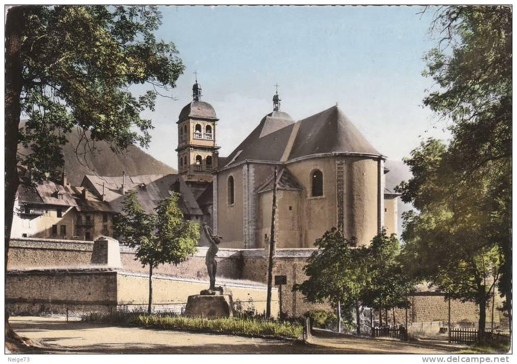 Carte Des Années 50-60 Du 05 - Briançon - Vue Sur La Cathédrale Et Jardin D'Eté - Briancon
