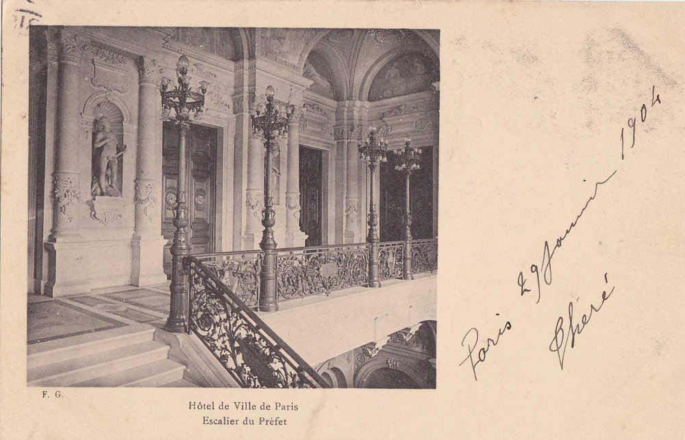 PARIS  HOTEL DE VILLE . ESCALIER DU PREFET . CARTE PRECURSEUR. VOYAGEE JANVIER 1904 - France