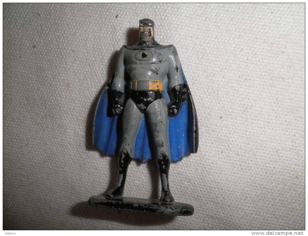 PERSONNAGE BATMAN  METAL - Figurines