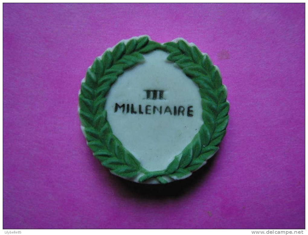 Feve Porcelaine - III ème MILLENAIRE - Serie ASTERIX Mat 2001 ( Feves ) - BD