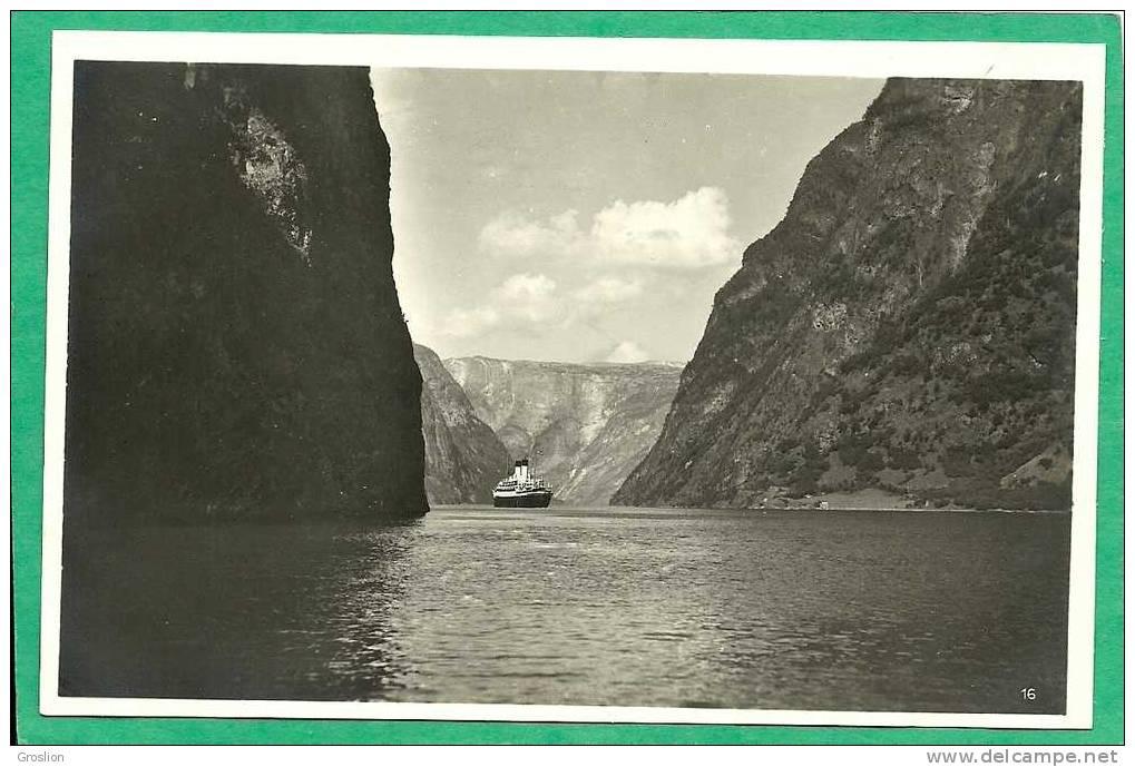 NORGE I NAEROBUGTEN IN DER NAEROBUCHT - Norvège