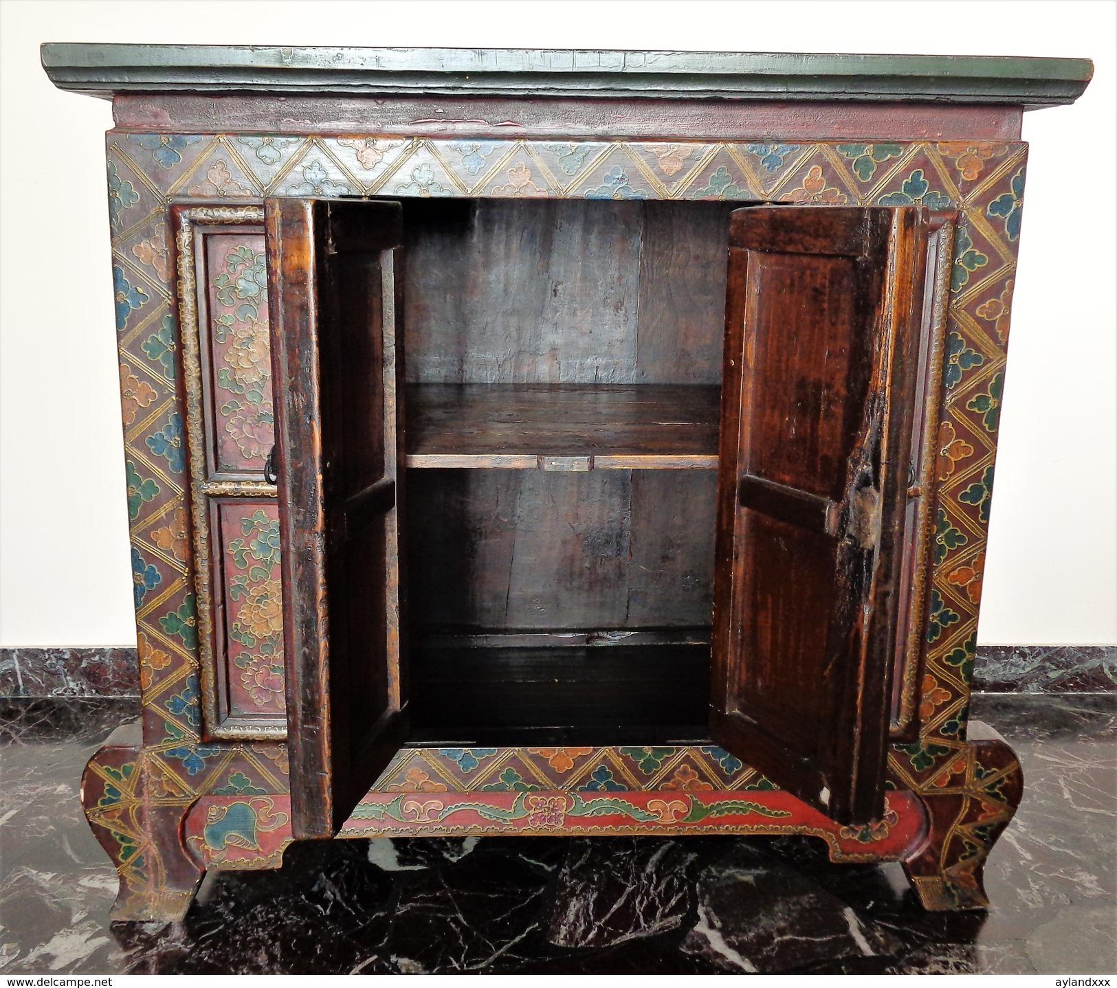 Tibetan Antique Painted Wood Cabinet - Arte Orientale