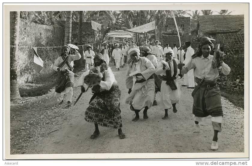 Grande Comore Plage Itsandra  12 Octobre 1953 Visite General De Gaulle Et Decorations  3 Photos - Comoren