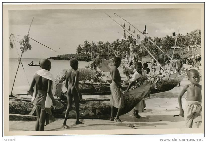 Grande Comore Plage Itsandra  12 Octobre 1953 Visite General De Gaulle Et Decorations  3 Photos - Comoros
