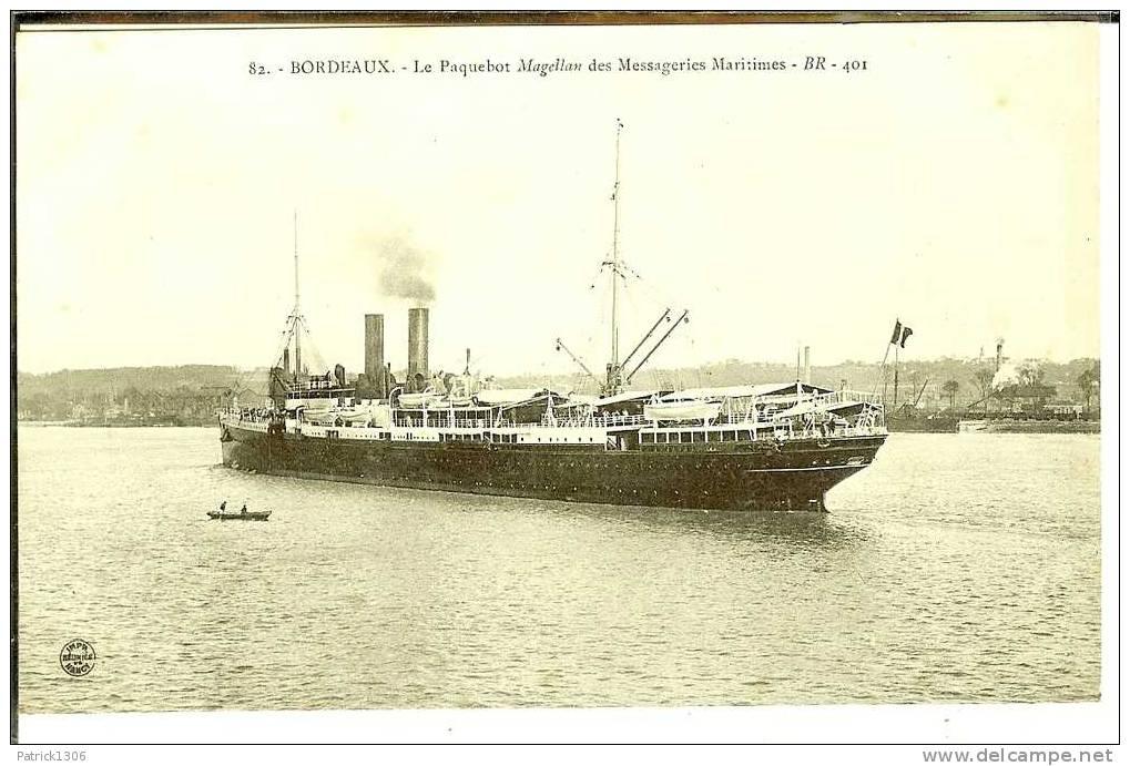 "CPA  Paquebot ""MAGELLAN"" Messageries Maritimes  0267 - Steamers"