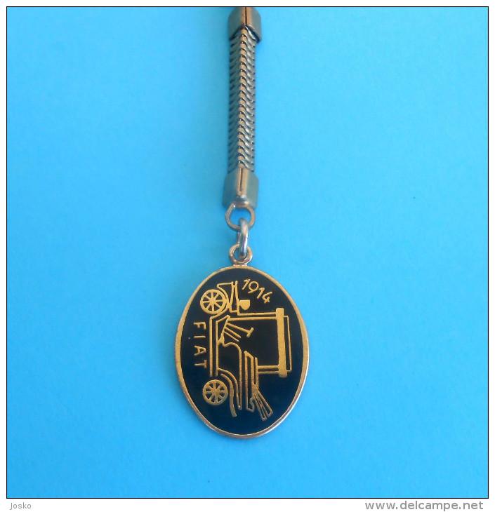 FIAT - Vintage Keychain Key-ring Italy Car Porte-clés Porte Clefs Key-ring Automobile Autos Cars Auto Italia Key-chain - Cars