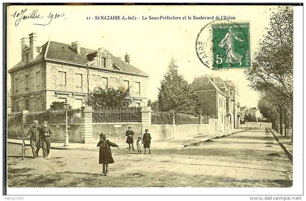 CPA   ST NAZAIRE, Boulevard De L´Océan, Sous-préfecture   0775 - Saint Nazaire