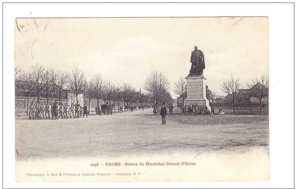 CPA - Reims - Défilé Des Militaires Prés De La Statue Du Maréchal Drouet D' Erlon - Reims