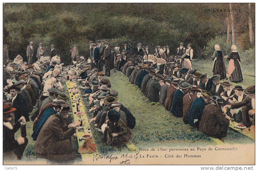 Folklore - Bretagne - Table Creusée Dans La Terre - Mariage - Personnages