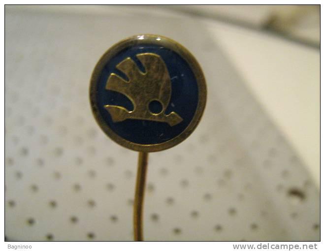 SKODA Car Pin - Badges