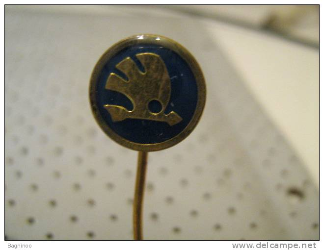SKODA Car Pin - Unclassified