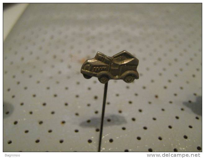 Car  Pin - Badges