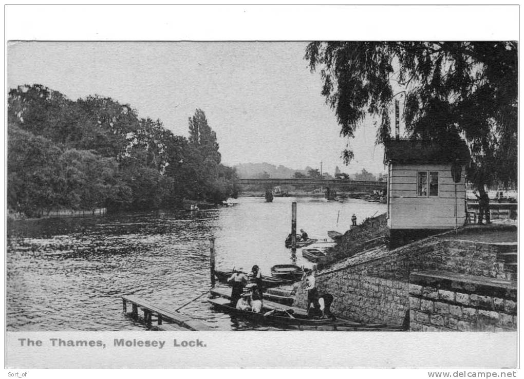 MOLESEY  - THE THAMES THE LOCK  -   A516 - Surrey