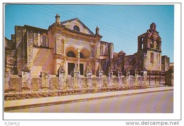 Ref 27 :  Cpsm Republique Dominicaine Santo Domingo La Catedral - Dominicaine (République)