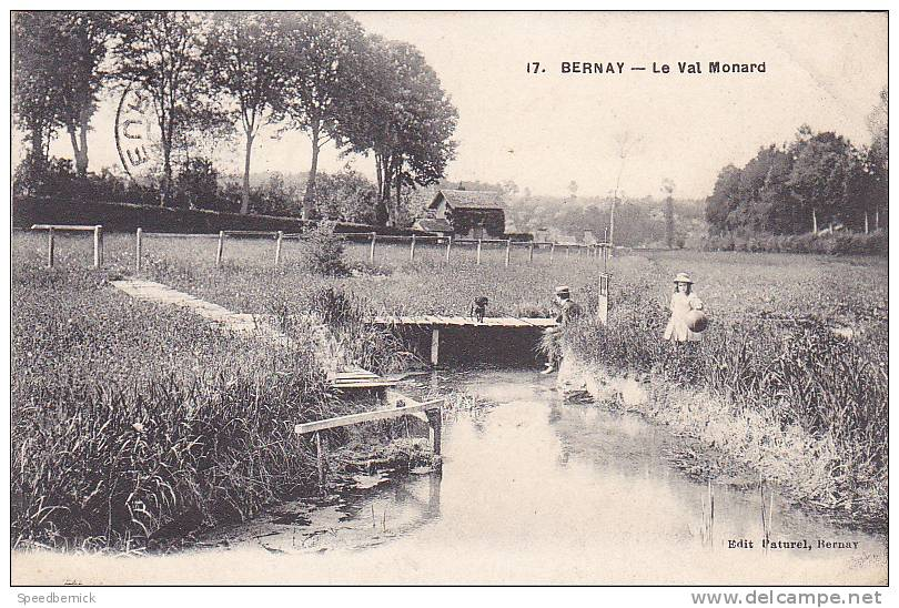 17567 BERNAY - Le Val Monard . Paturel, Bernay . Pecheur, Enfant, Caniche ? - Bernay