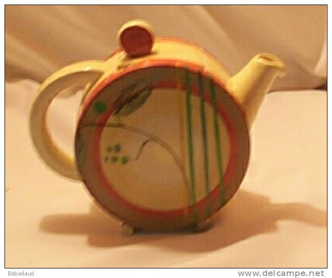 "CLARICE CLIFF , 1935 KELVERNE , Orange & Brown Bands, Green Berries ""Bon Jour"" Tea For 2. - Clarice Cliff"