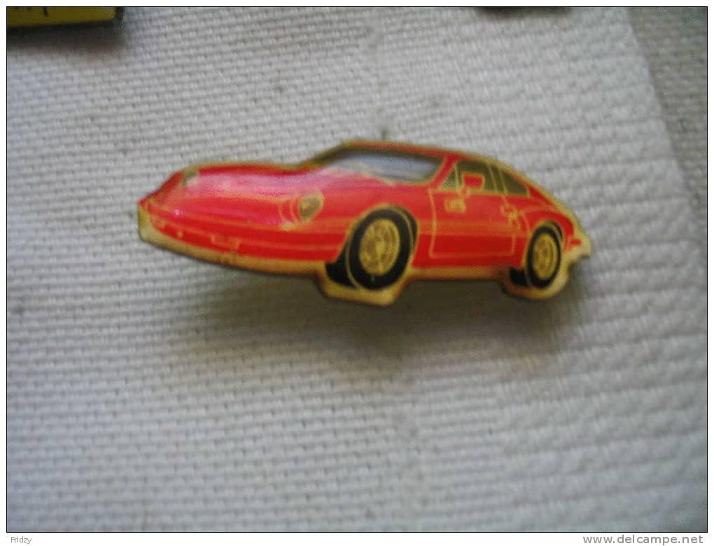 Pin´s Porsche De Couleur Rouge - Porsche