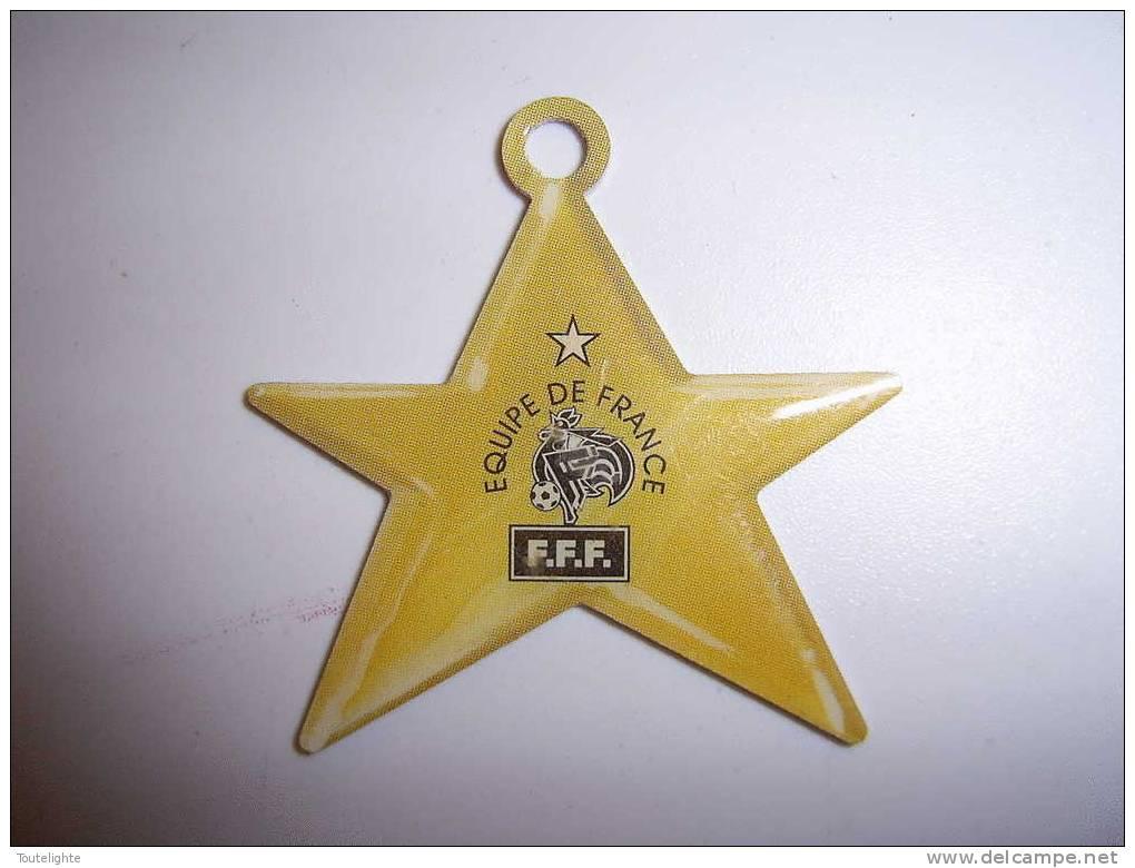 1 Médaille  FOOT   NUTELLA    ....étoile   équipe De France...   F.F.F. - Nutella