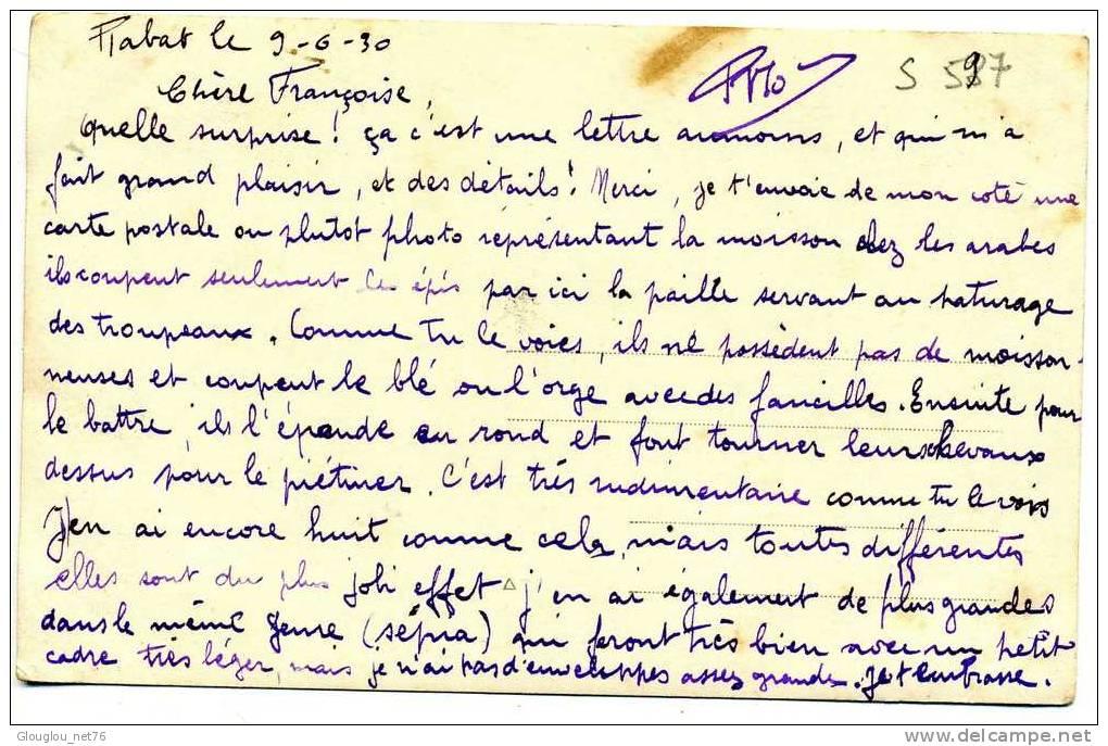 CARTE PHOTO DU MAROC  RABAT 9/6/30  HOMMES AUX CHAMPS....   QUI RECONNAITRA? CPA ANIMEE - Rabat
